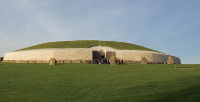Newgrange Meath Tourism Ireland Accommodation Holidays